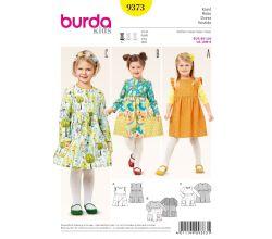 Střih Burda 9373 - Dětské šaty s kapsami